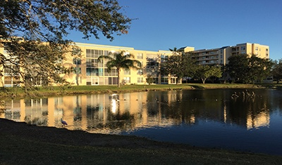 Bradenton-FL-Midrise-Condos-featured-image-cross-water-view.jpg
