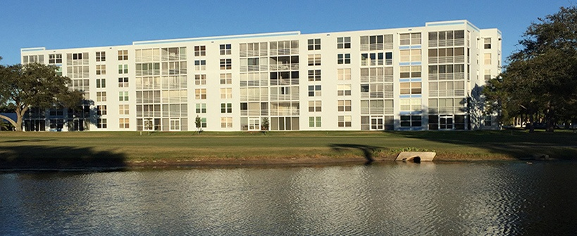 Bradenton-FL-Midrise-Condos-straight-on-corss-water-view-820x335.jpg